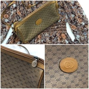 Gucci Bags - Authentic vintage Gucci crossbody purse